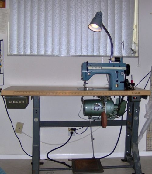 The Singer 20U, an sewing industrial machine