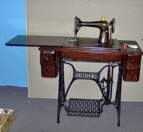 Treadle Sewing Machines Sewing Insight Cool Pedal Sewing Machine Table