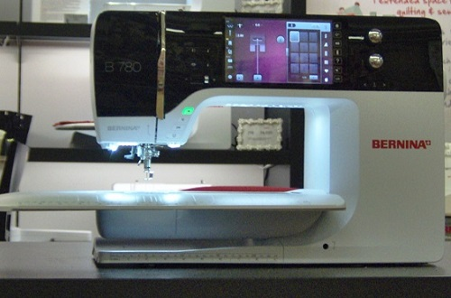 BERNINA 40 Review Sewing Insight Mesmerizing Where To Buy A Bernina Sewing Machine