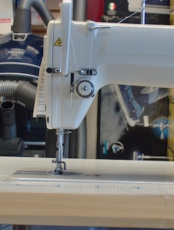 Threading the machine requires to follow all the steps correctly