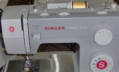Singer Heavy Duty 40 And 40 Review Sewing Insight Mesmerizing Singer Sewing Machine Heavy Duty