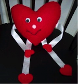 Adorable stuffed Valentine Buddy on allfreesewing.com